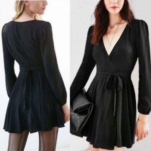 Ecote - Medium - Black wrap mini dress